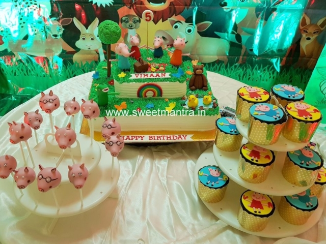Peppa Pig theme dessert/sugar table for boy's 5th birthday in Pune