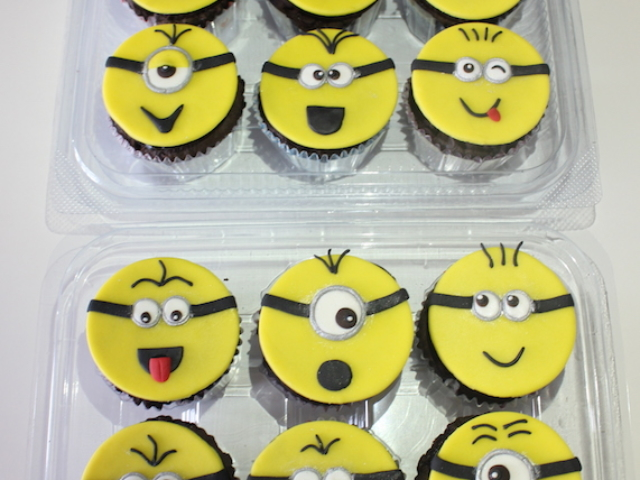 Minions theme cupcakes for kids birthday in Pune