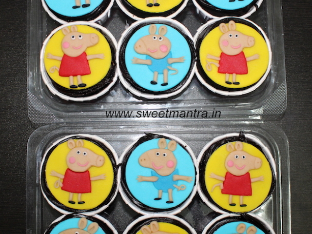 Peppa pig theme cupcakes for girls birthday in Pune