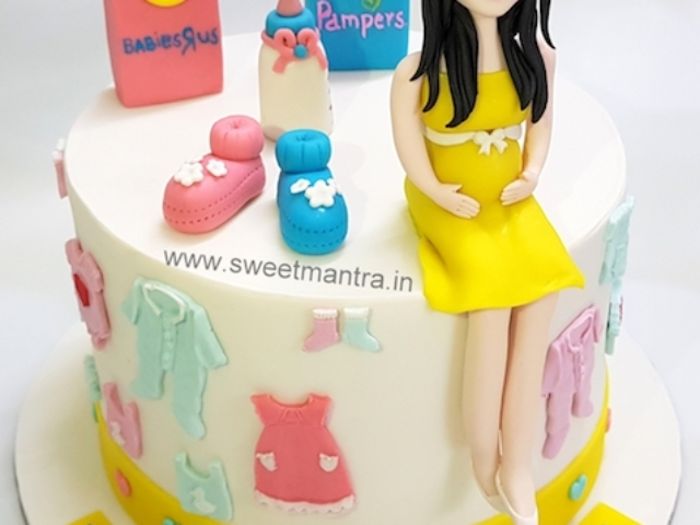 Customized cake for Mom-to-be birthday and baby shower in Pune